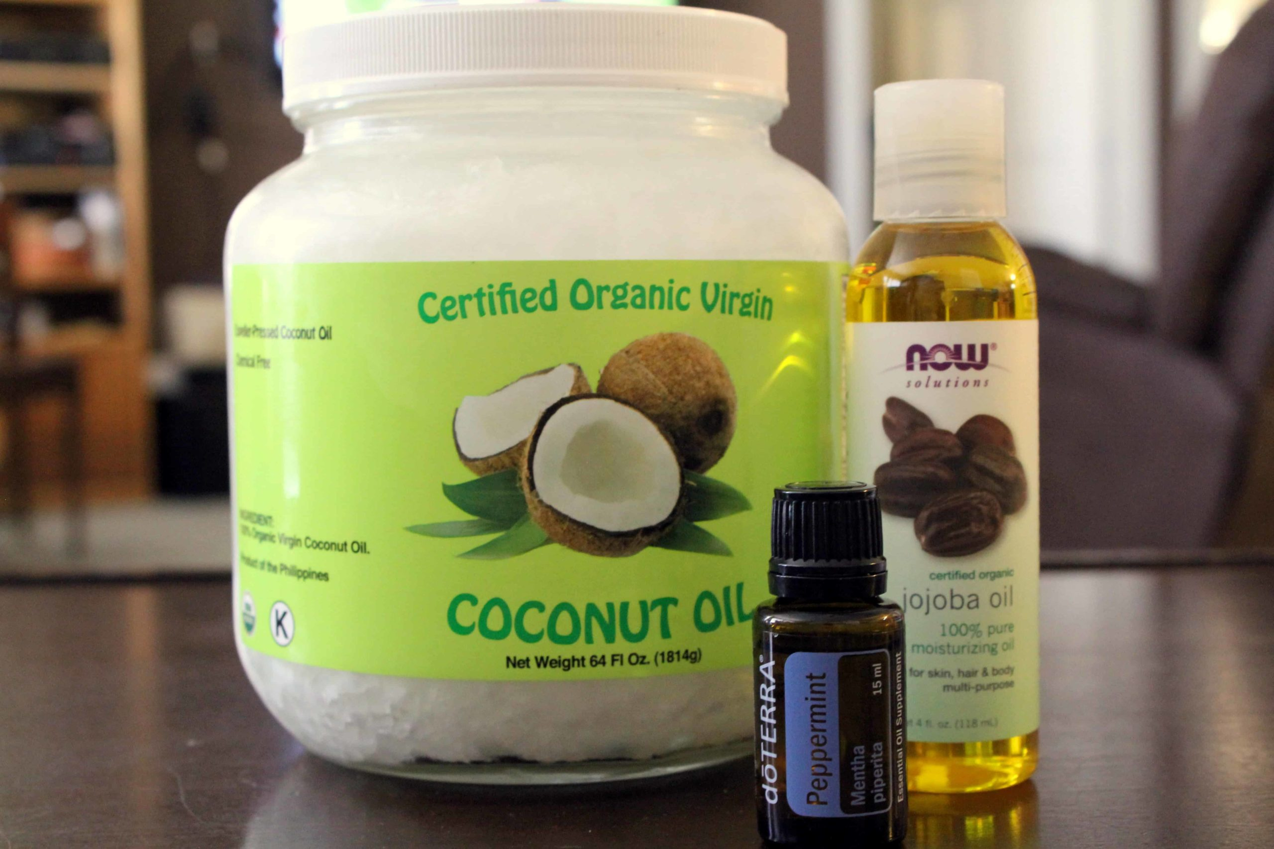 DIY Coconut Oil Deep Conditioner | homemadeforelle.com