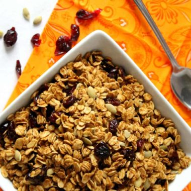 Pumpkin Granola | Homemade for Elle | https://homemadeforelle.com