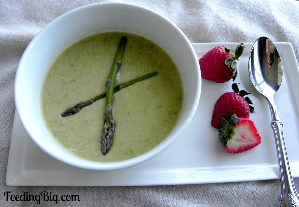 Cream of Asparagus Soup - Clean Eating Soups | homemadeforelle.com