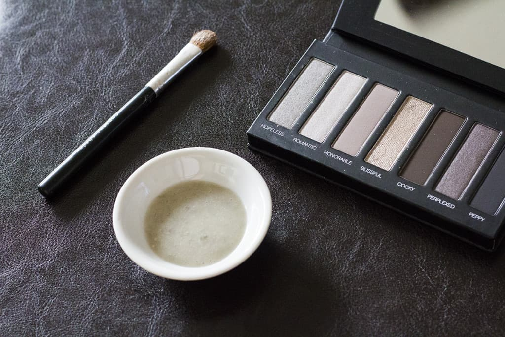 Homemade Eyeshadow Primer | homemadeforelle.com