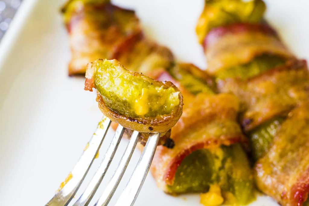 Chile Rellnos with Bacon | homemadeforelle.com