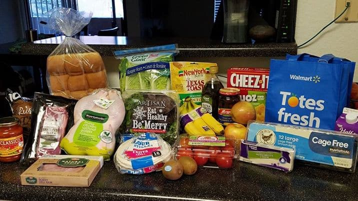 Walmart's Grocery Pickup Service | homemadeforelle.com