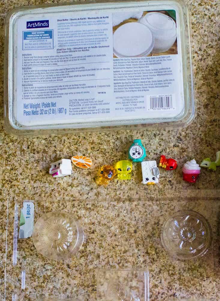 Handmade Soap for Kids with Hidden Toys   homemadeforelle.com