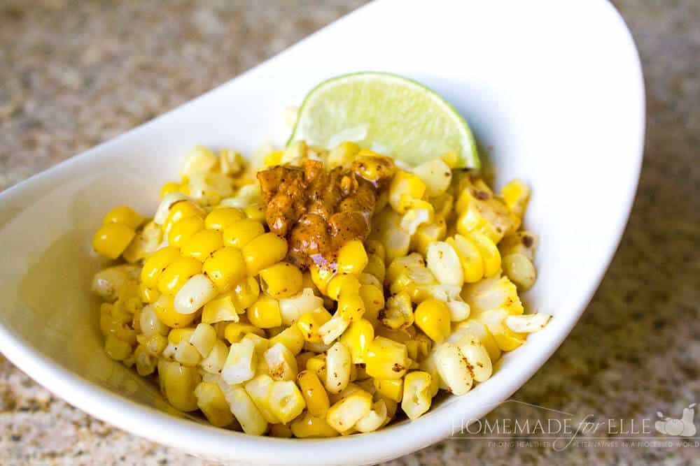 Grilled Mexican Corn Cob Recipe off the cob | Homemadeforelle.com