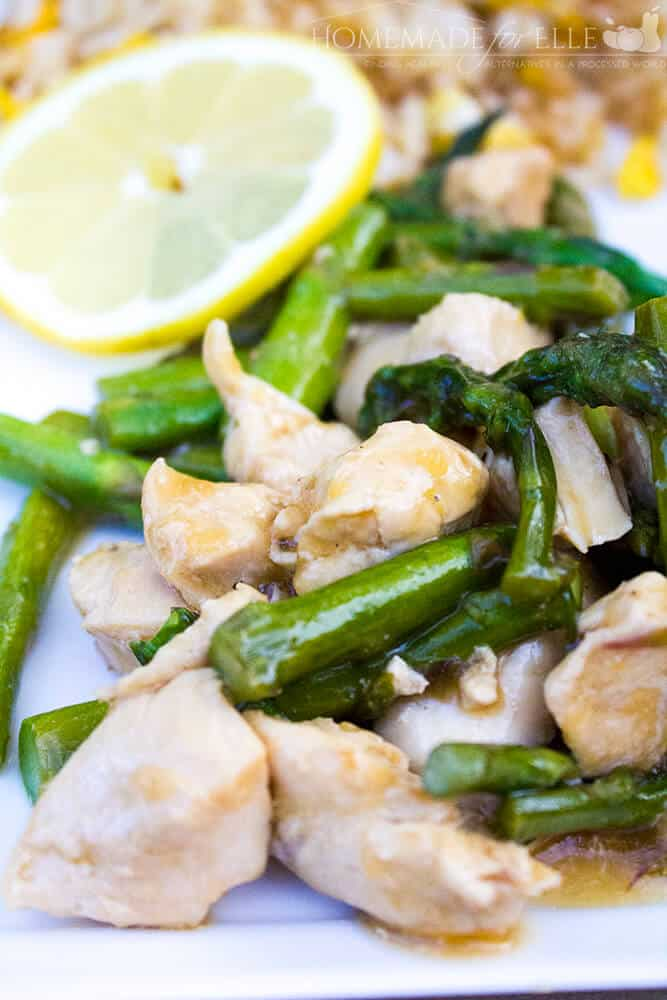 Lemon and Asparagus Chicken Stir Fry | homemadeforelle.com