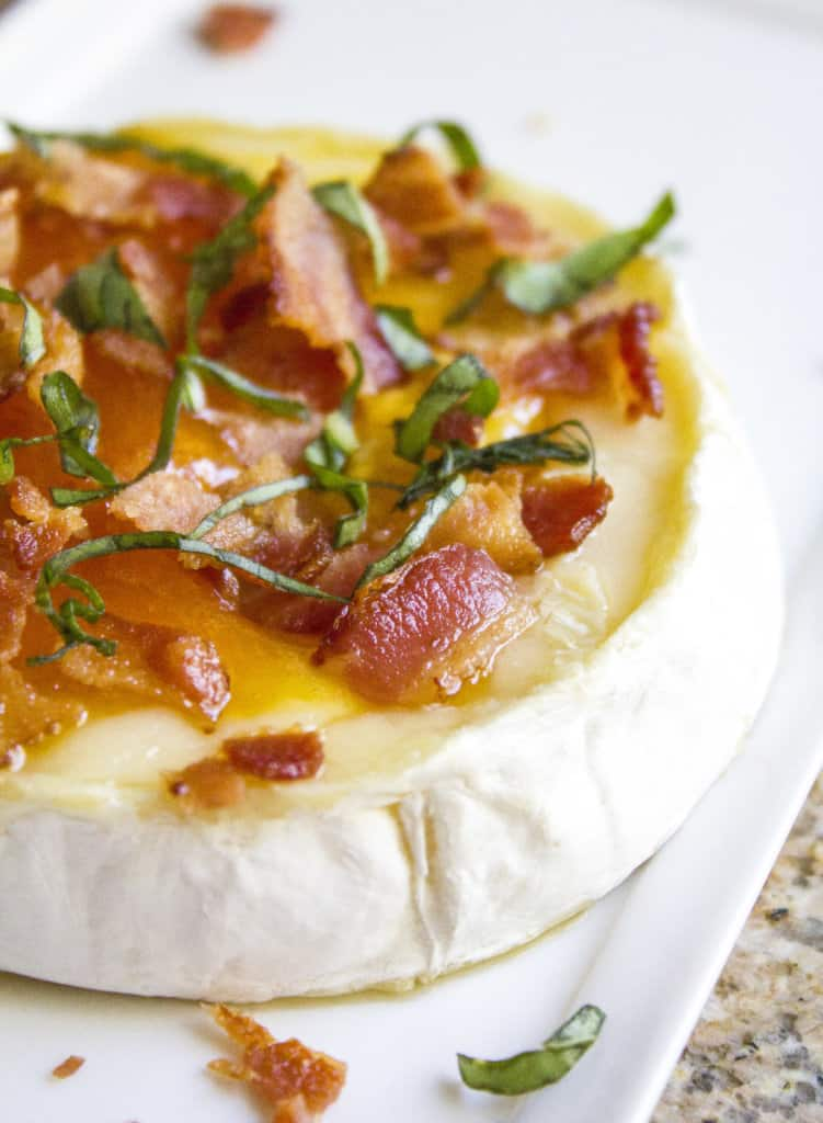 Peach, Basil and Bacon Baked Brie | homemadeforelle.com