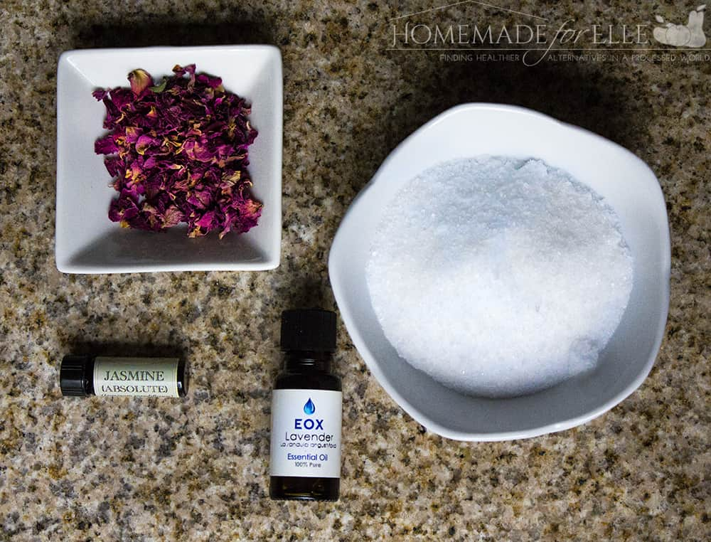 Lavender, Rose & Jasmine Homemade Aromatherapy Bath Salts | homemadeforelle.com