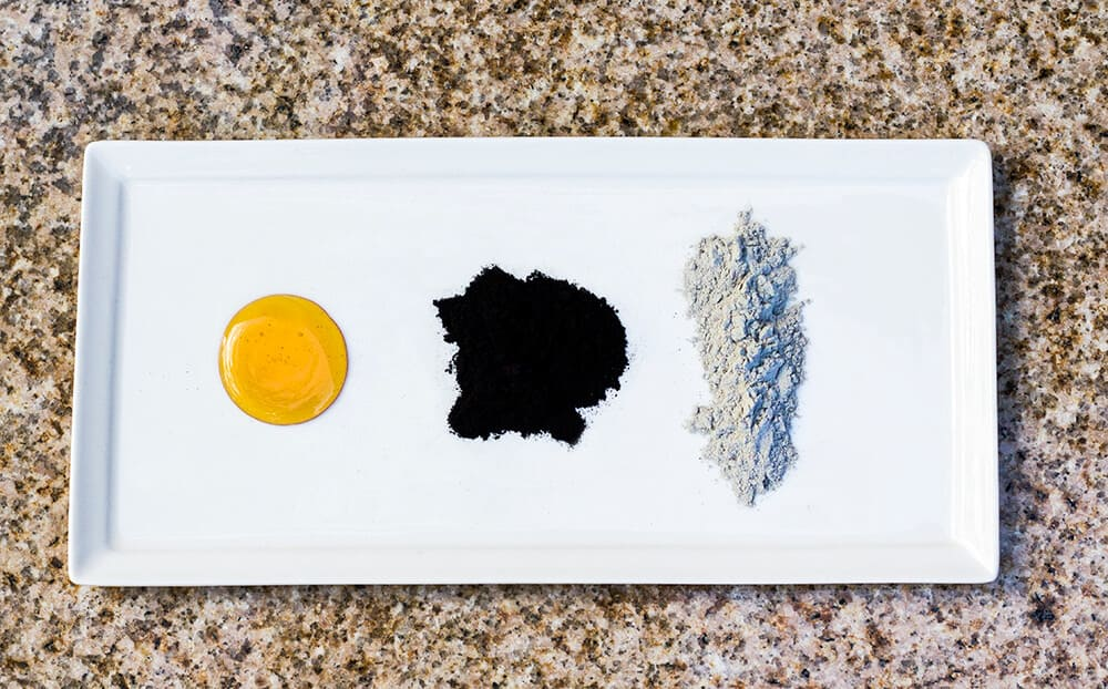 DIY Activated Charcoal Face Mask | homemadeforelle.com