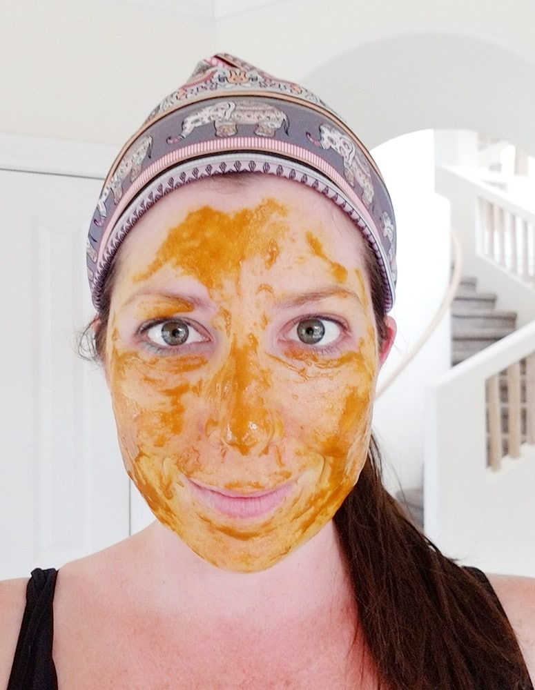 Homemade Turmeric and Honey Mask