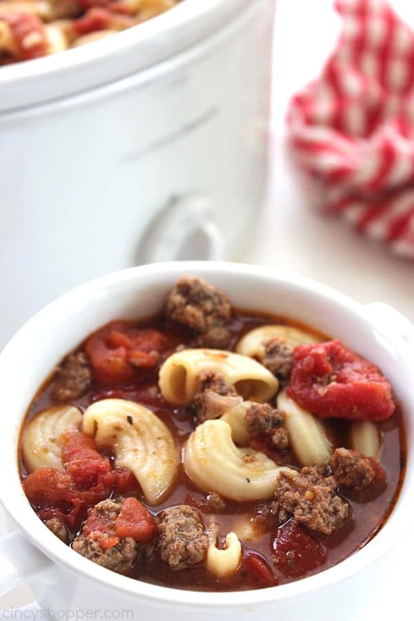Slow Cooker Beef and Tomato Macaroni Soup | Cincy Shopper